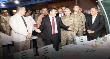 Vali İftarını Askerler İle Birlikte Açtı