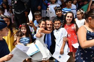 Vali Tuncay Sonel'den Öğrencilere ve Öğretmenlere 11.500 Fidan Tohumlu Kalem…Karne Armağanı…
