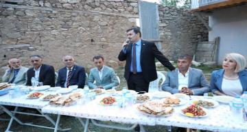 Erzincan Valisi Ali Arslantaş, İliç ilçesi Güngören Köyü'nde düzenlenen iftar programına katıldı