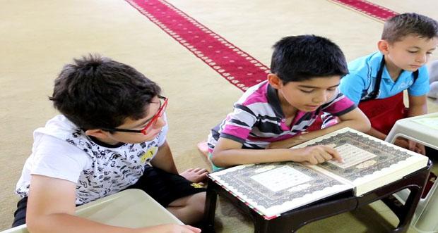 Kur'an'ı Kerimi Öğrenmenin Sevincini Yaşıyorlar