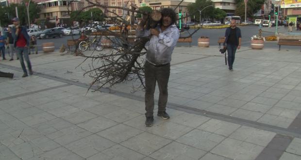 Profesörden Orman Yangınlarına Farkındalık Eylemi
