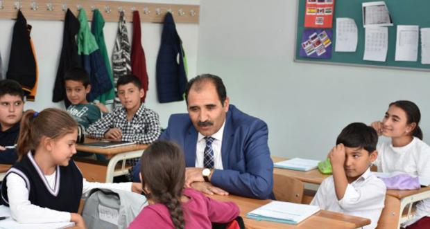 İl Millî Eğitim Müdürü Aziz GÜN, Kemah İlçesinde bir dizi ziyaretlerde bulundu