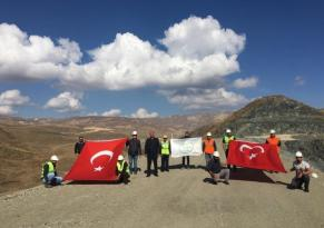 Turnaçayırı barajı inşaatından Mehmetçiğe selam