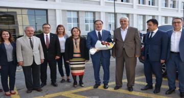 Kamu Başdenetçisi Malkoç'tan MTÜ Rektörü Karabulut'a Ziyaret