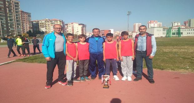 Kros Yarışmalarına Erzincan'ı temsilen 16 sporcu katıldı