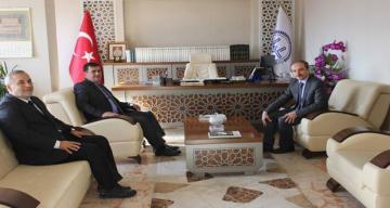 Erzincan Valisi Ali Arslantaş ve Bayburt Valisi Cüneyt Epcim Erzincan Müftülüğünü Ziyaret Ettiler